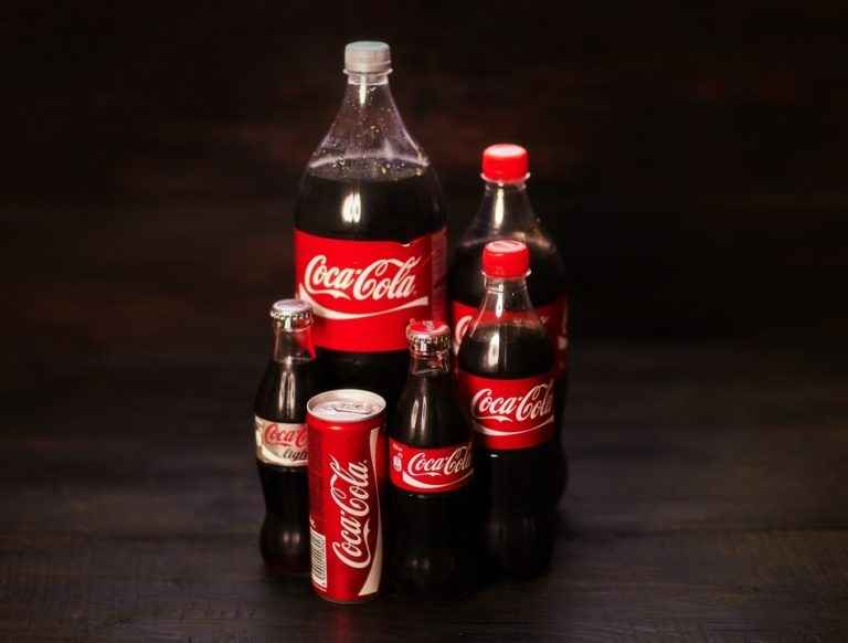 valuing coca cola For years, i, like many value investors, have wondered how warren buffett valued coca-cola ( ko ) stock at such a deep bargain in 1988 in 1988.